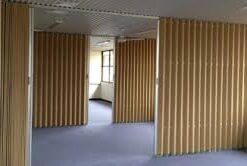 accordion door, accordion wall